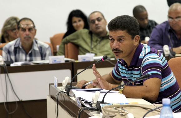 Ricardo García diputado por la provincia de Granma en la Comisión Agroalimentaria. Foto: Ismael Francisco/Cubadebate.