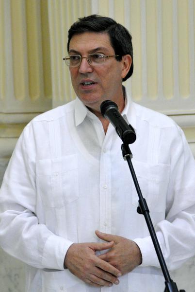 """Intervención del canciller cubano Bruno Rodríguez Parrilla, durante la ceremonia de entrega de la condecoración con la distinción """"Por la Cooperación"""", que otorga el Ministerio de Asuntos Exteriores de la Federación de Rusia, en la sede del ministerio de Relaciones Exteriores de Cuba (MINREX), en La Habana, el 29 de abril de 2014. AIN FOTO/Marcelino VAZQUEZ HERNANDEZ/"""