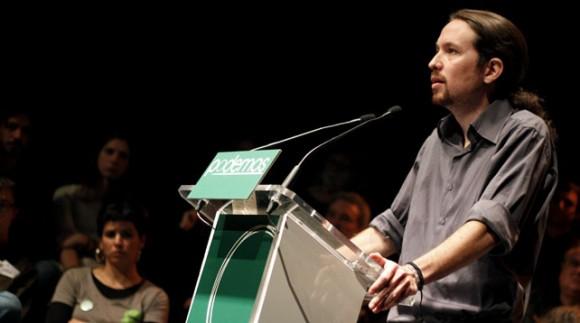 Pablo Iglesias se dirige al público durante la presentación de la candidatura a la elecciones europeas Podemos. Foto: Jairo Vargas/ Público