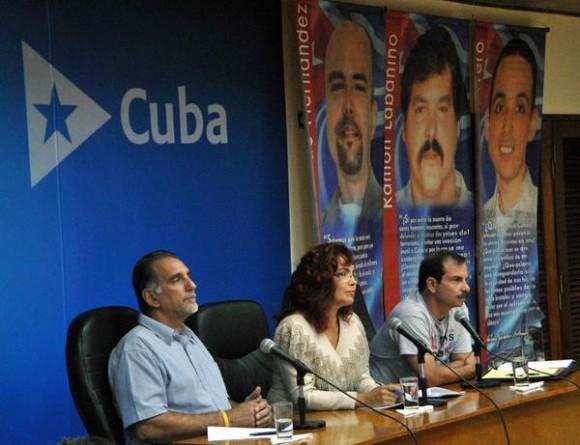 https://i0.wp.com/www.cubadebate.cu/wp-content/uploads/2014/06/videoconferencia-de-los-cinco-La-Habana-580x445.jpg