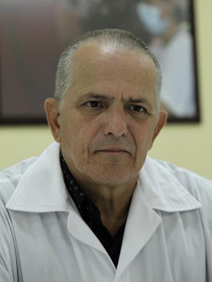 Rubén Carballo Herrera (Cienfuegos). Licenciado en Enfermería. Máster en Salud de los Trabajadores.  Cumplió misiones en Haití (2001-2003) y en Venezuela (2006-2009). Foto: Ismael Francisco/Cubadebate.
