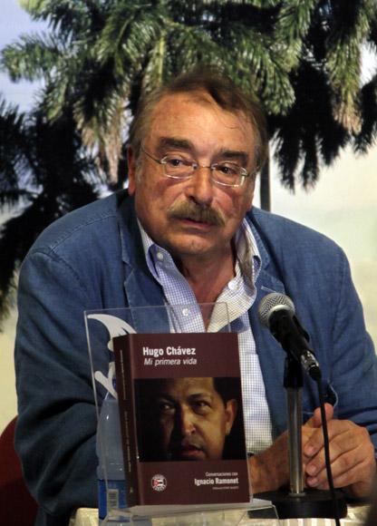Ignacio Ramonet presenta en La Habana el libro Hugo Chávez, mi primera vida. Foto: Ismael Francisco/ Cubadebate.