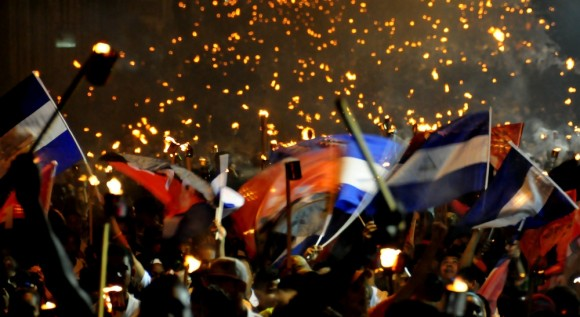Marcha de las antorchas en La Habana. Foto: Ladyrene Pérez/ Cubadebate.