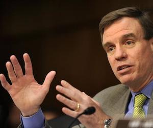 El Senador Mark Warner.
