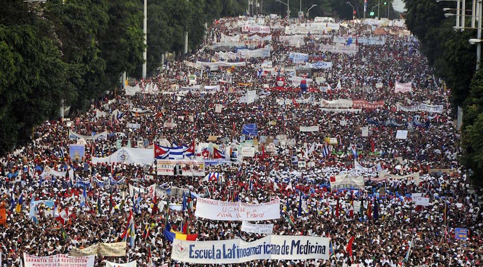 Da de los Trabajadores Comenz desfile en La Habana