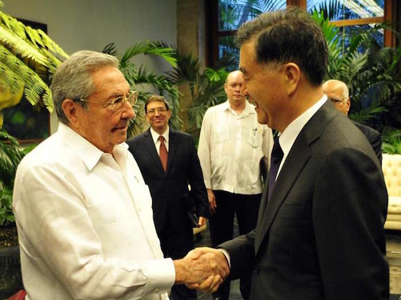 Recibió Raúl al Viceprimer ministro chino. Foto: Estudios Revolución.
