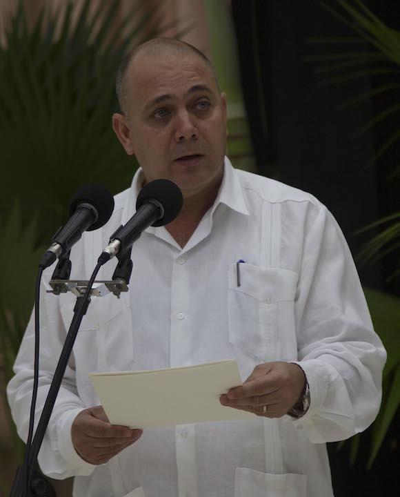 Médicos que lucharon contra el Ebola en África reciben condecoración en La Habana. Foto: Ismael Francisco/ Cubadebate