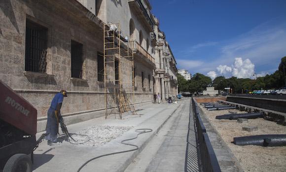 El Centro Cultural Padre Félix Varela, que ocupa la antigua sede del Seminario de San Carlos y San Ambrosio en el centro histórico de La Habana.