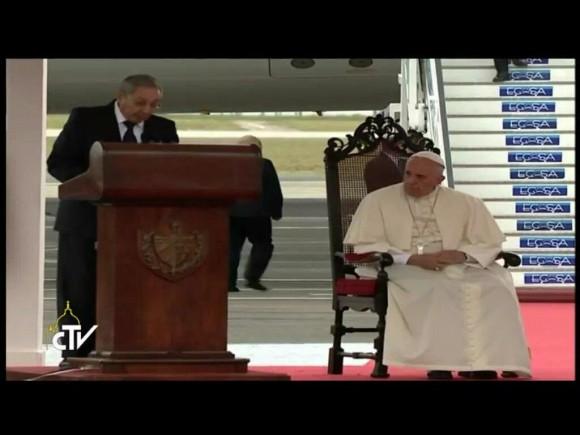 Habla Raúl en recibimiento al Papa Francisco