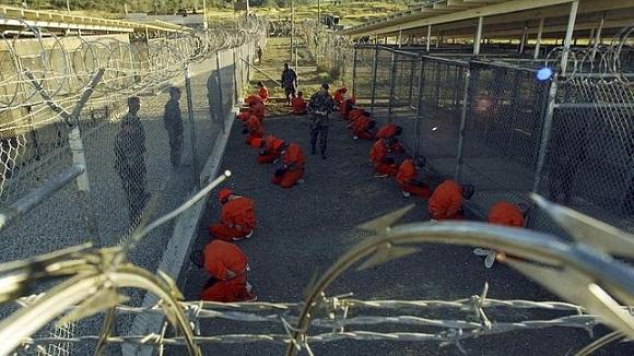 Los prisioneros de la cárcel, ubicada en la ilegal base Naval de Guantánamo, han sido torturados y llevados allí sin juicio previo. Foto. Archivo.