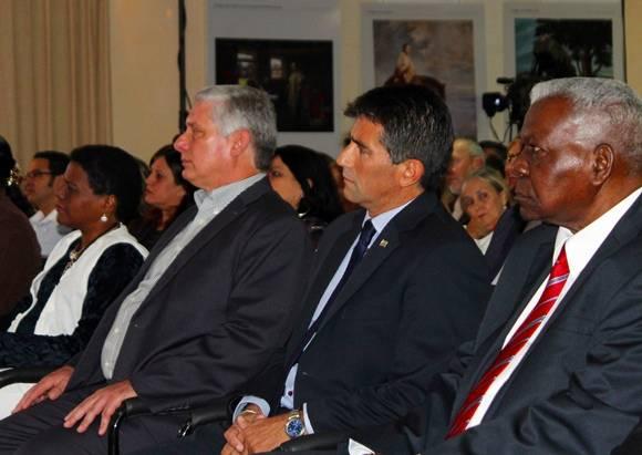 De izq. a der. Zuleica Romay, Miguel Díaz-Canel, Raúl Sandic y Esteban Lazo. Foto: José Raúl Concepción/Cubadebate.