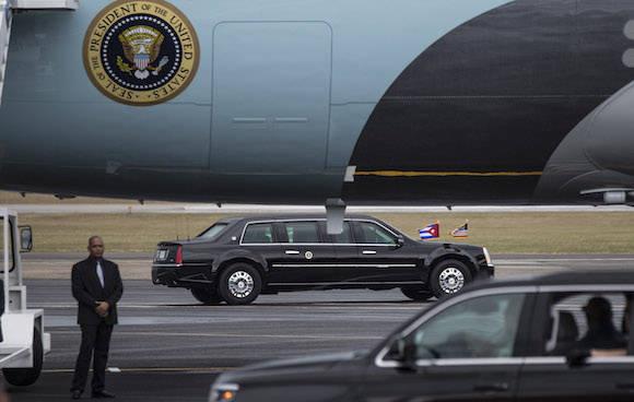 Obama en el Aeropuerto Internacional José Martí, de La Habana. Foto: Ismael Francisco/ Cubadebate