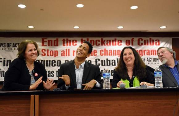 De izquierda a derecha, Barbara Curbelo, Jorgito Jerez, Alicia Jrapko y Stephen Kimber. Foto: Bill Hackwell