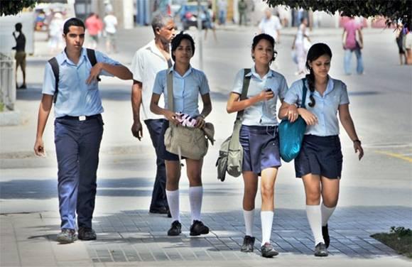 Uniformes escolares para que no se repitan las quejas