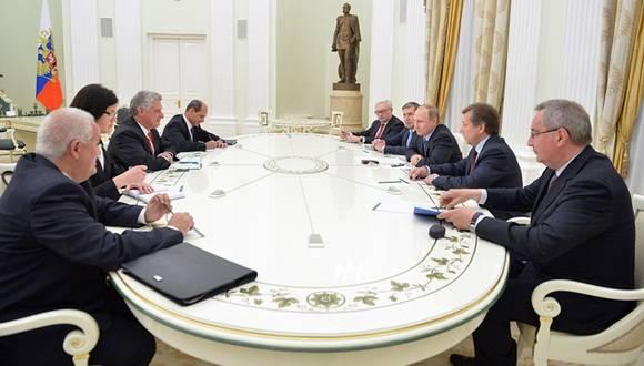 Recibe Presidente Putin a Díaz-Canel.