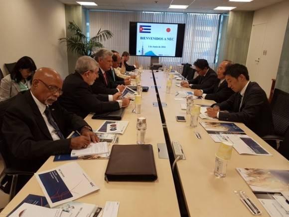 NEC Corporation Japón estudia como participa y contribuye al desarrollo de la economía de Cuba. Foto: Cuenta en Twitter de Rogelio Sierra, Viceministro del MINREX