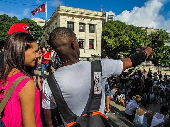 Con un Concurso de Selfies mediante #YoVotoVsBloqueo los jóvenes denunciaron el bloqueo. Foto: Cinthya García Casañas