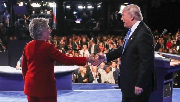 Hillary Clinton y Donald Trump en uno de los debates presidenciales. Foto: Abc News.