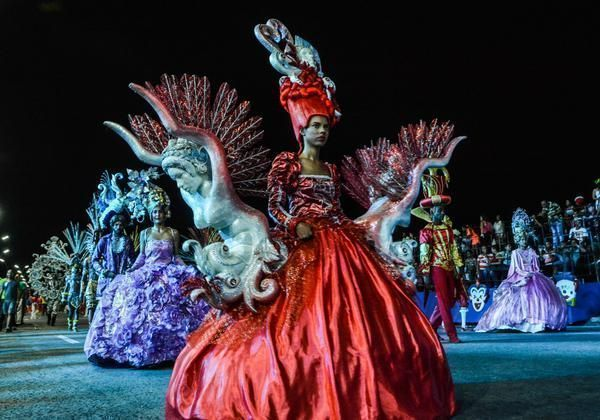 En fotos Carnavales en La Habana  Cubadebate