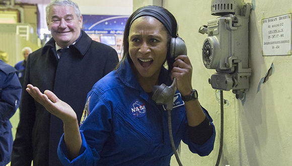 Destituyen de su misin a astronauta afroamericana por