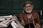 Un vendedor de periódicos en Cuba