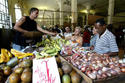 Un agromercado en Cuba