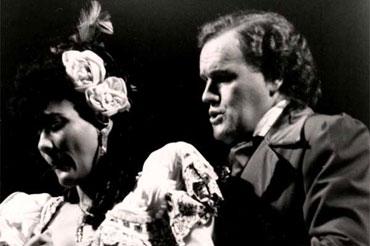 Alina Sánchez y Adolfo Casas, en una escena del montaje dirigido por Roberto Blanco en 1979
