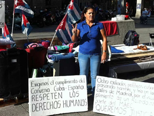 Cuban ex-prisoners denounce repression and police brutality ...in Madrid (English)