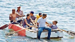 La política de pies secos/pies mojados fue un privilegio especial concedido a los cubanos. Foto: La tercera.com.