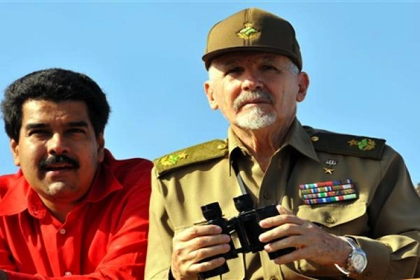 Maduro con Ramiro Valdés