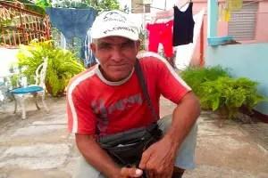 Osvaldo Brito, Valdy ,con su gorra de Florida- Foto Tania Diaz Castro
