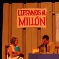 """La actriz Yasnay Ricardo junto al actor Miguel Moreno en el cuadro """"Oficina Central de Justificaciones"""" (foto del autor)"""