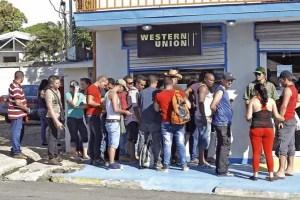 Cubanos en la frontera entre Costa Rica y Nicaragua (foto de Reuters)