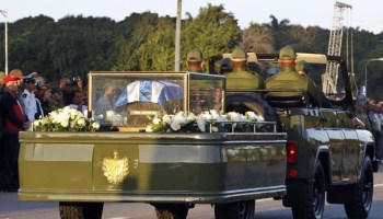 Urna conteniendo las cenizas de Fidel Castro (EFE)