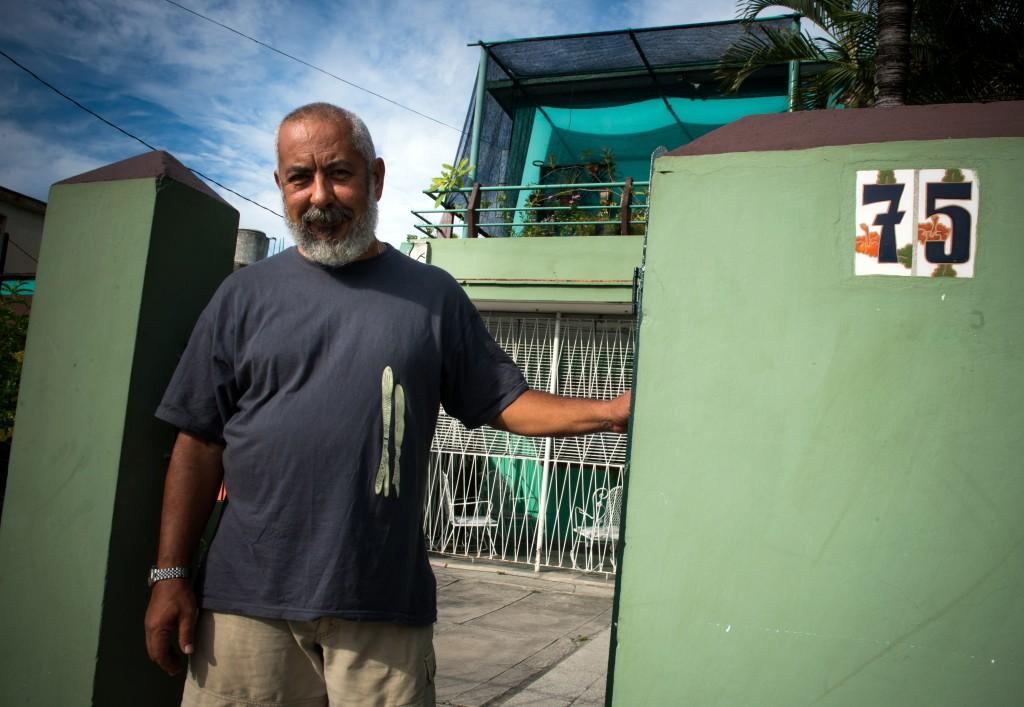 Cuba : Le Nouveau Roman De Leonardo Padura Rend Hommage Aux Hérétiques