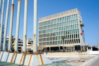 Les diplomates américains mystérieusement attaqués à Cuba auraient été victimes de micro-ondes