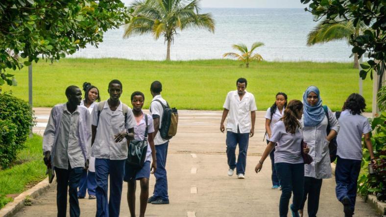 Cuba : privés de bourses, des centaines d'étudiants du Congo sont menacés d'expulsion