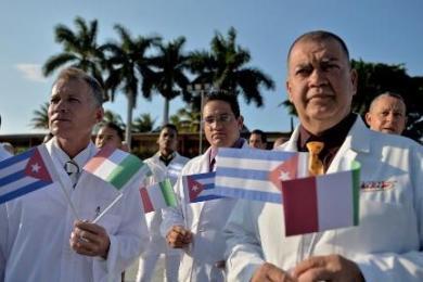 Les médecins cubains au secours de la planète: une longue histoire