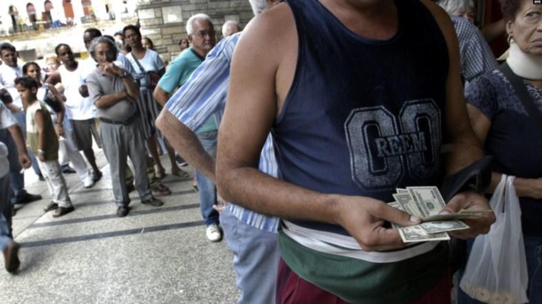 cuba cubanos dólares estafadores estafas estafa cambio cuc pesos peso convertible cadeca tiendas