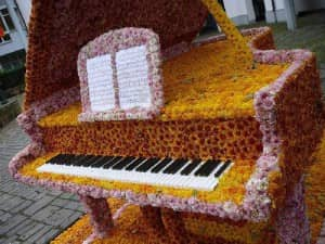 12 Creative Ways To Upcycle An Old Piano The Storage Space