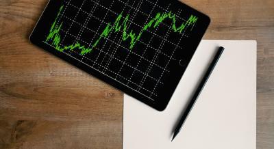 インフレ率上昇で米国長期債券ETF(EDV)の評価額マイナスへ。今後のインフレ率の予想と長期債券投資