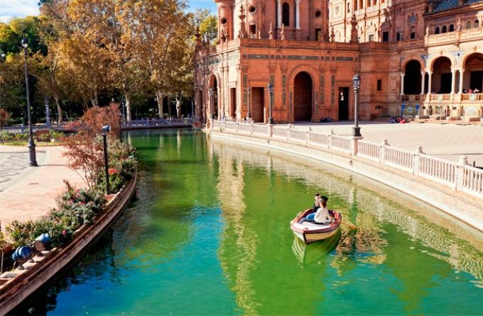 plaza españa sevilla - atractivo turiistico de españa
