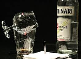 Sambuca bebida italiana
