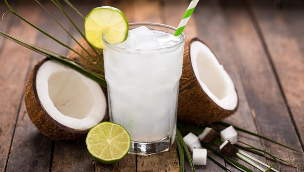 agua de coco bebida tipica de acapulco