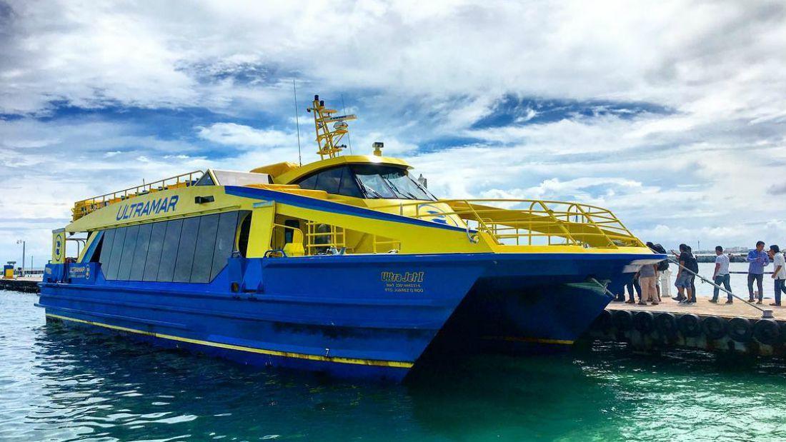 ferry para llegar a isla mujeres