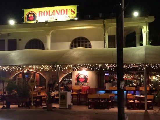 Rolandi restaurant cancun