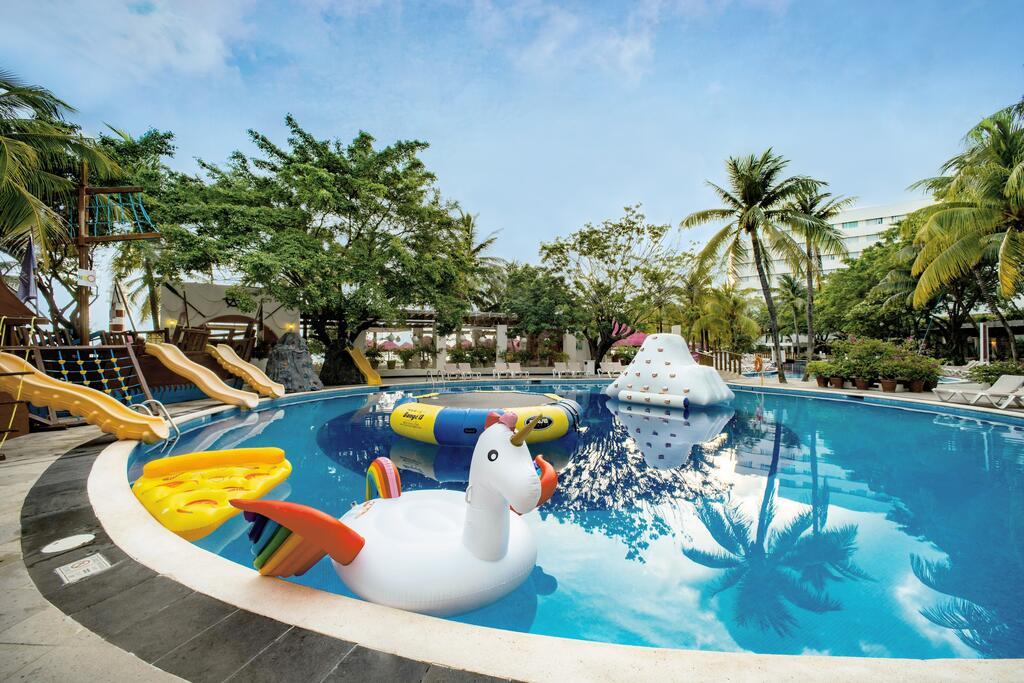 Oasis Palm hotel familiar economico cancun