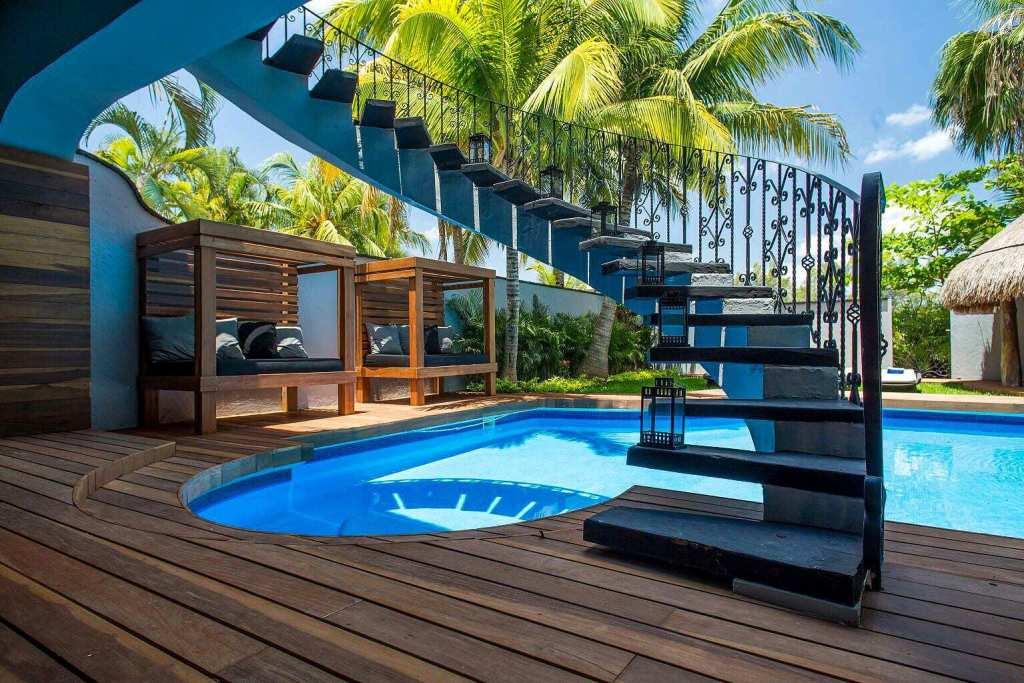 Amazing 5 BR Villa on the beach cancun cabañas