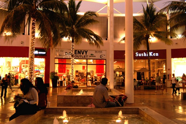 chester plazas outlets