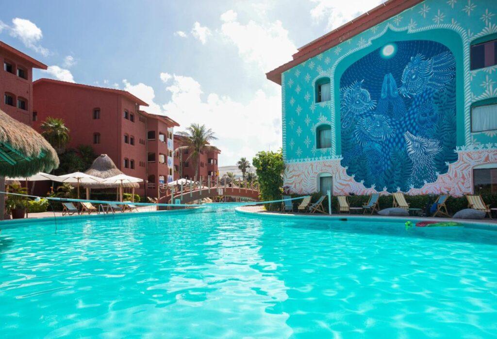 hotel selina zona hotelera 4 estrellas